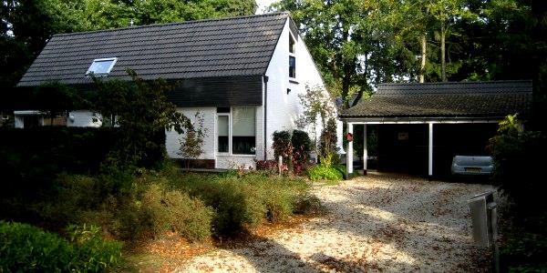 Vrijstaand huis schilderen schildersbedrijf van reemst bennekom - Modern stenen huis ...