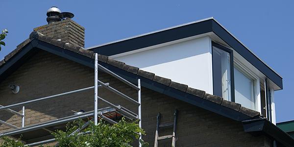 Hoekhuis schilderen? Laat het Van Reemst voor u doen! In Bennekom hebben wij hier veel ervaring mee: ramen, deuren, kozijnen, dakkapel, dakranden & panelen.