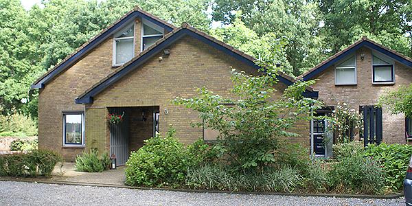 Onderhoud schilderwerk buiten nodig? Bel schildersbedrijf Van Reemst in Bennekom!