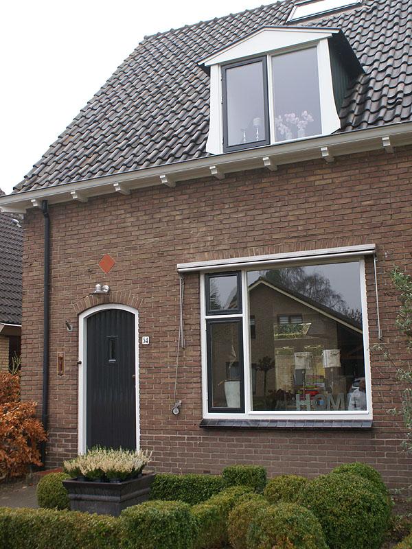 Best jaren huis verzorgd door van reemst in bennekom with for Wat kost een huis laten schilderen