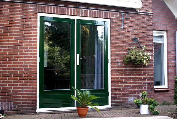 Wit groen schilderwerk buiten. Vrijstaand huis in Bennekom | Schildersbedrijf Van Reemst