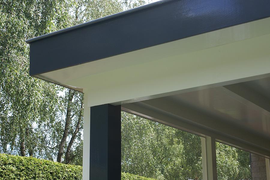 Huis met carport schilderen